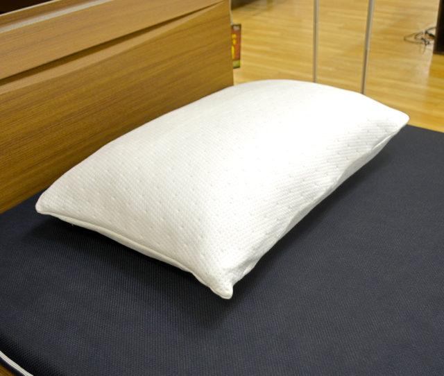 低反発チップを使用し柔軟で軽量ながらたっぷりボリューム枕!竹炭入りで消臭・抗菌・調湿効果を発揮!