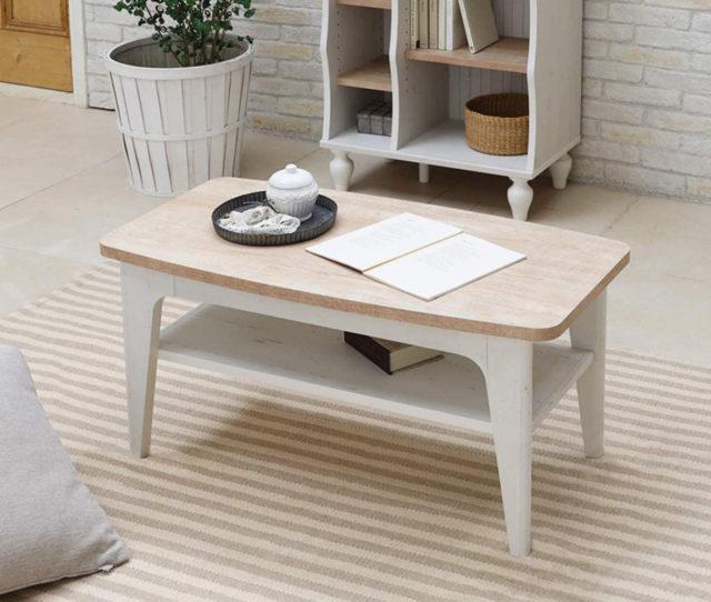 フレンチテイストで可愛いローテーブル!お部屋馴染みがよく、一人暮らしのお部屋に◎リビングでよく使うものを収納したり、天板から除けておきたいものを一時置きしたりするときに便利な中棚付きです。