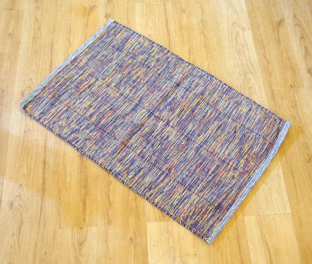 いろんなカラーが織り込まれたオシャ可愛いインド綿マットが激安!一人暮らしの玄関マットやキッチンマットにオススメ♪
