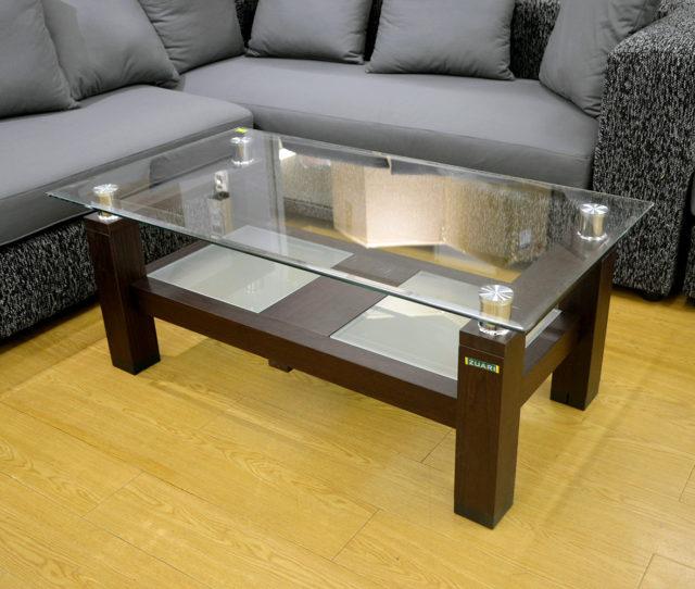 人気の幅110cmタイプの上品&モダンでオシャレなガラステーブルがこの価格!中棚もあるので雑誌や新聞などをサッと置けて便利♪高級感のあるガラス天板は圧迫感を抑えつつお部屋を開放的に見せてくれます。