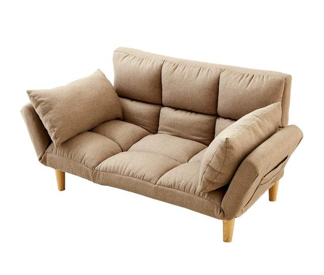 リクライニング機能でお好みのスタイルで寛げるふっくらボリューム多機能ソファ!スタイルによって枕にも腰当てにもなるクッション2個付!木目調の脚部は簡単に取り外せるのでローソファとしても◎