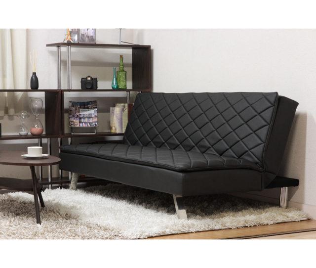 ダイヤカットのブラック張地とスチール脚がクールでカッコいいソファベッド!座面に低反発ウレタンフォームを使用しているので座り心地◎合皮素材なのでお手入れもラクラク♪急な来客時にはベッドとして使用できるので便利!