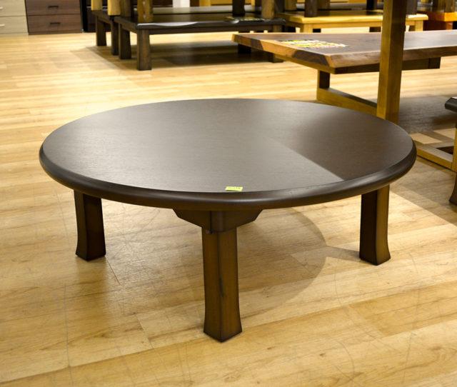 直径90cmコンパクトサイズのちゃぶ台!高さ低めで和室でも洋室でも合わせやすく、床に座って食事や勉強などに◎折れ脚タイプでコンパクトに収納できるので、急な来客時にもおススメです。